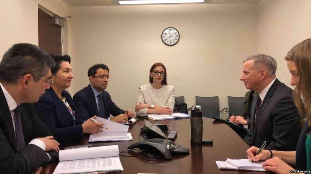 Ўзбекистон делегацияси АҚШда расмийлар билан учрашмоқда. ТИВ сайтидан олинган сурат.