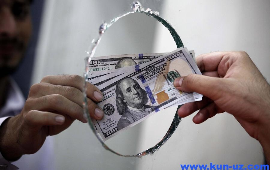 100 долларгача хорижий валюта харид килиш учун паспорт талаб килинмайди