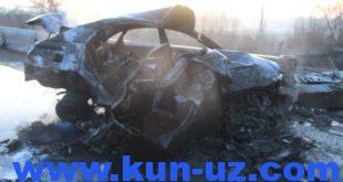 Два человека погибли в загоревшемся после ДТП автомобиле в Фергане